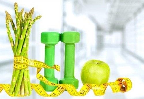 Asparagi metro mela verde e pesi