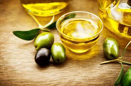 Olio extravergine d'oliva per la salute. 6 benefici