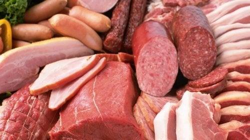Carni lavorate tra gli alimenti da evitare .