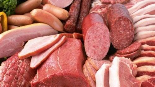 Carni lavorate tra gli alimenti da evitare