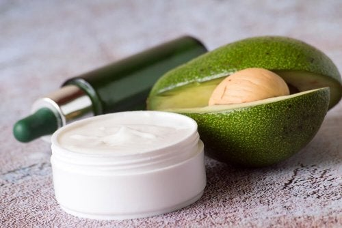 Crema di avocado e uovo
