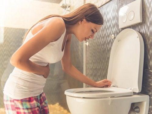 10 consigli per frenare il vomito