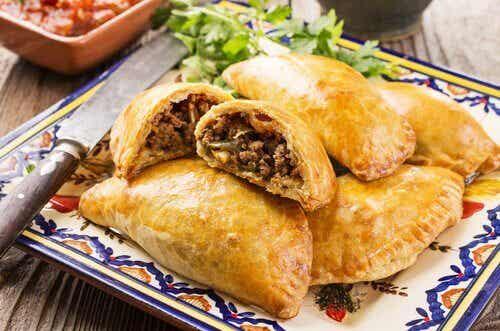 Empanadas di carne o pollo: un ricetta casalinga