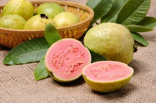 Guava a metà