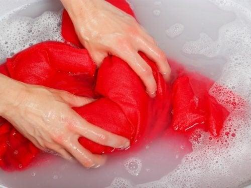 Lavaggio a mano
