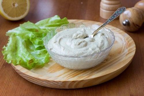 lattuga con salsa