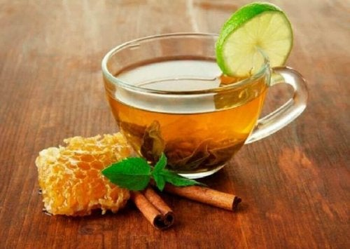 Miele e tè