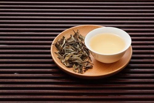 Tè bianco tra bevande per dimagrire