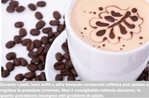 Chicchi e tazza di caffè