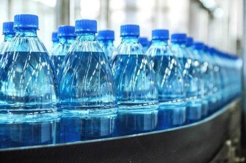 bottiglie di acqua minerale