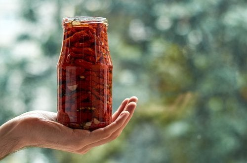 pomodori secchi in barattolo