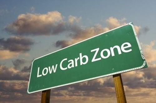 Ridurre i carboidrati anziché i grassi per perdere peso