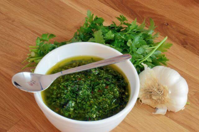 Ricetta della salsa chimichurri fatta in casa