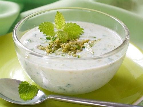 Zuppa di menta e cetriolo