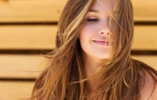 Come fare per avere capelli sani e voluminosi  - Vivere più sani 177d779c163a