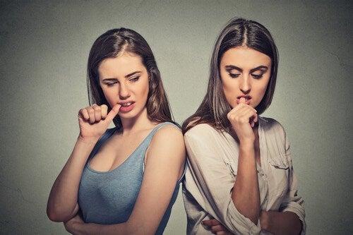 Donne invidiose