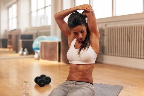 Esercizi per le braccia con  i pesi