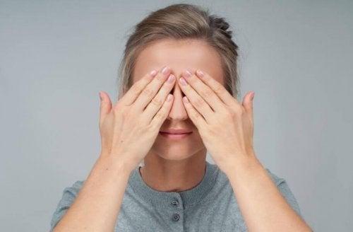 4 esercizi per la salute degli occhi