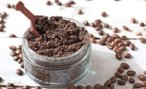 Esfolianti al caffè