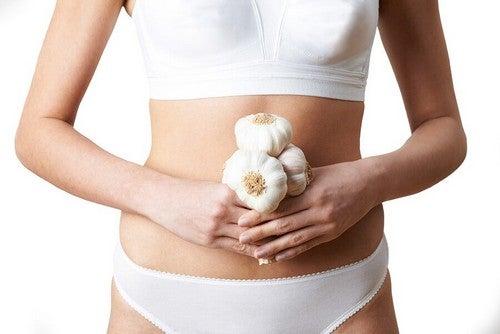 Igiene intima e spicchi di aglio