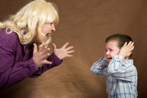 se gridate ai vostri figli, lo riterranno un comportamento accettabile