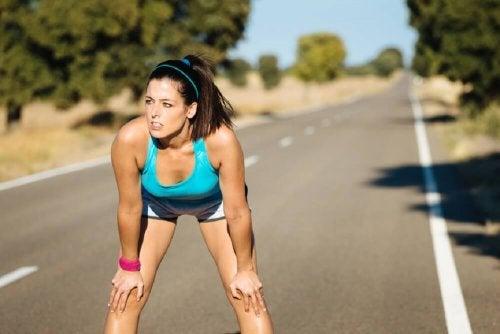Ragazza fa jogging
