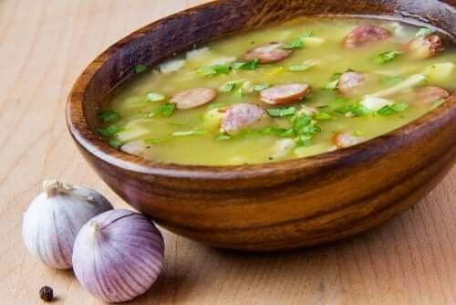 Zuppa di verdure e prosciutto: facile e gustosa