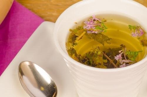 Tè alla valeriana per alleviare l'ansia