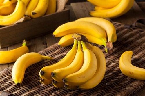 un casco di banane