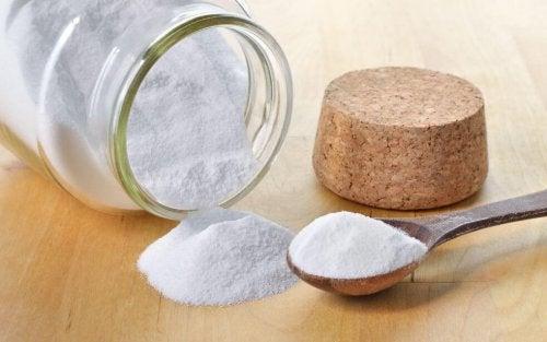 Uso del bicarbonato di sodio per pulire casa