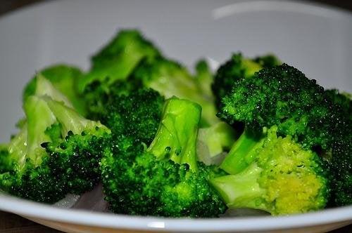Polpette di broccoli con formaggio e carote