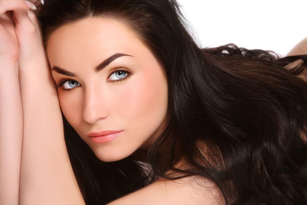 Come stimolare rapidamente la crescita dei capelli
