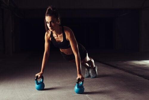 Crossfit tra esercizi che non vi aiuteranno a perdere peso