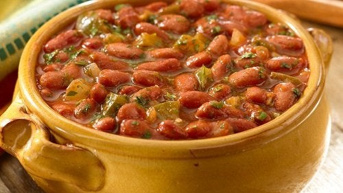 pentola con zuppa di fagioli