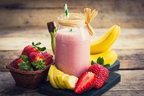 Frullato e frutta fresca