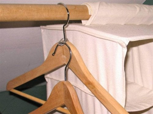 Ganci delle lattine per appendere gli abiti