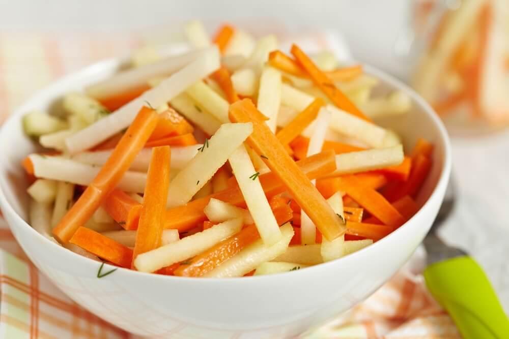 Insalata detox: 5 ricette per depurare il colon