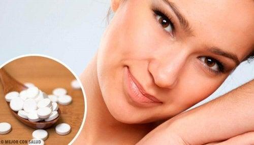 Maschere a base di aspirina: 4 consigli per una pelle perfetta