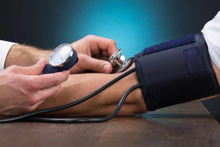 Ipertensione: 5 rimedi naturali per controllarla