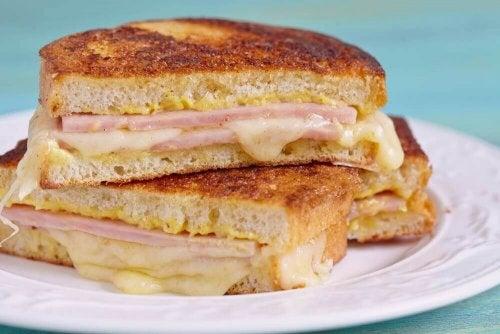 Come preparare un delizioso panino Monte Cristo