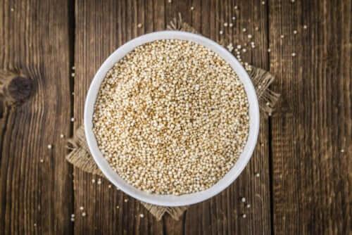 Mangiare quinoa per dimagrire: quali sono i suoi benefici?