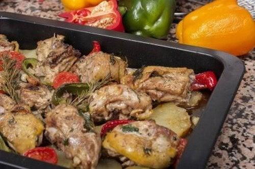 Pollo al forno con verdure: deliziose ricette