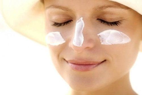 Protezione solare per il viso
