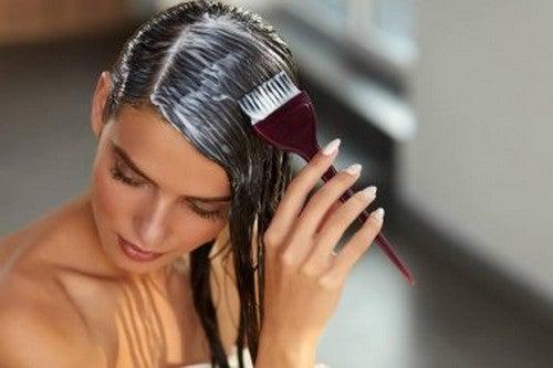 Ripolarizzazione dei capelli in casa