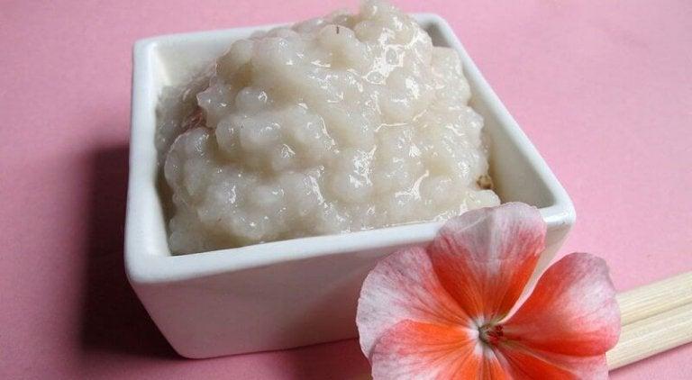 Pulire la cute grazie a 2 soluzioni con il riso