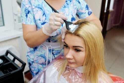 Schiarire i capelli senza maltrattarli