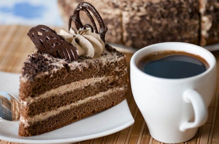 Torta al caffè: una ricetta semplice per un dolce delizioso