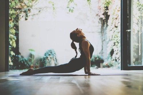 Yoga salute sole