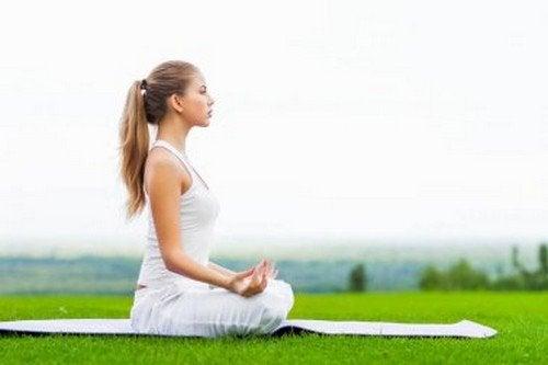 Le migliori posizioni yoga per principianti