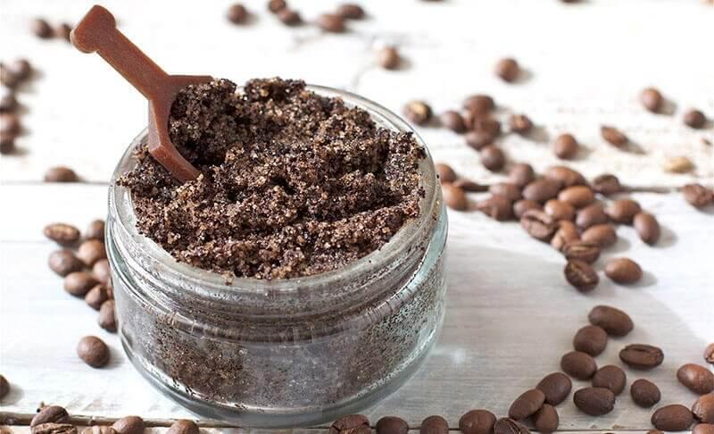 Barattolino con olio di cocco e caffè